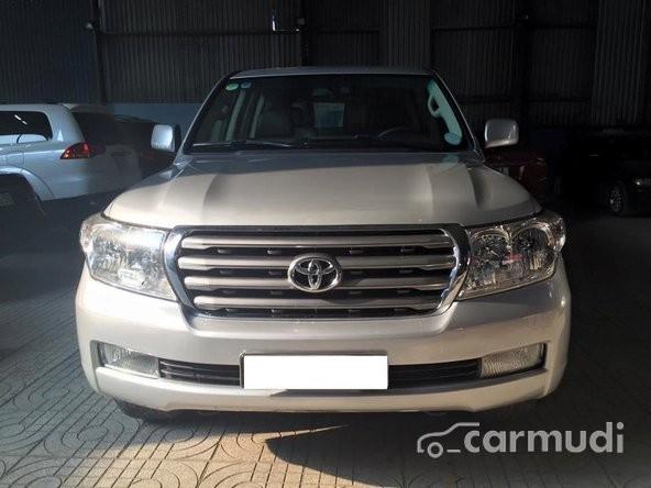 Cần bán gấp Toyota Land Cruiser đời 2008, màu bạc, nhập khẩu nguyên chiếc