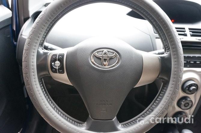 Cần bán xe Toyota Yaris 1.3 AT năm 2010, nhập khẩu