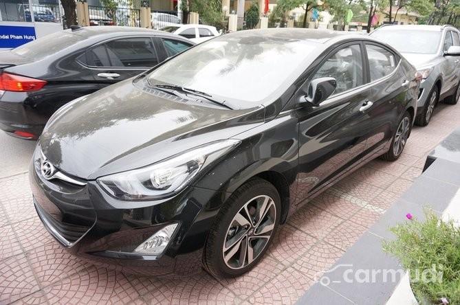 Xe Hyundai Elantra 1.6 2014 mới màu đen đang được bán