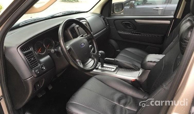 Xe Ford Escape XLS 2011 cũ đang được bán