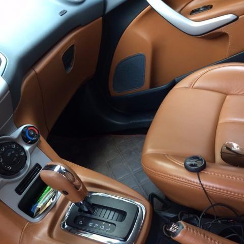 Cần bán gấp Ford Fiesta đời 2013, xe nhập, như mới