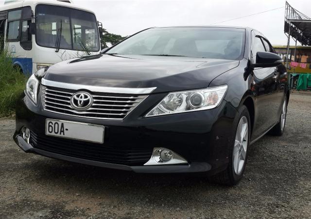 Cần bán lại xe Toyota Camry 2.5Q đời 2014, màu đen, xe nhập