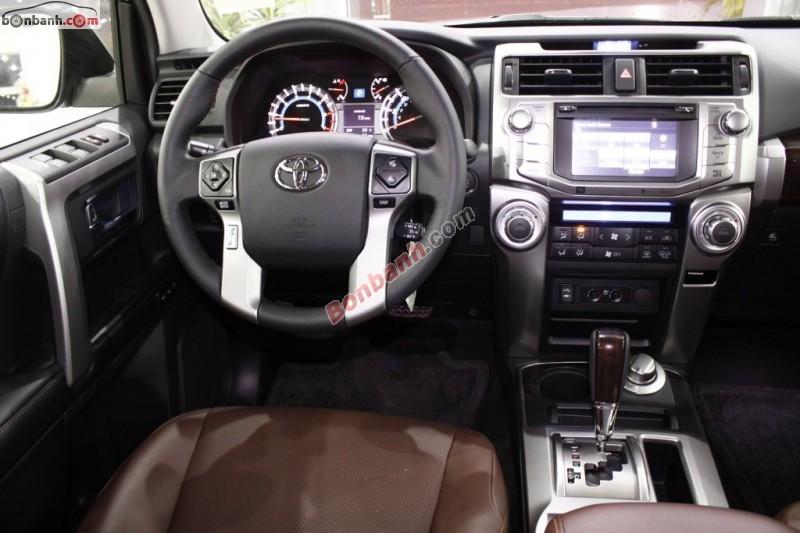 Toyota 4Runner Limited màu đen sản xuất 2015. Nhập khẩu từ Mỹ mới 100 %