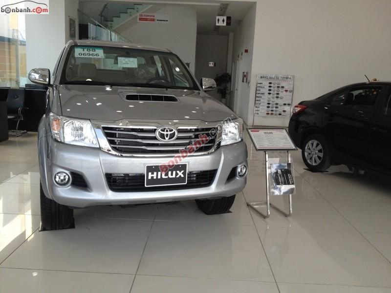 Bán Toyota Hilux 3.0G đời 2015, màu bạc, nhập khẩu nguyên chiếc