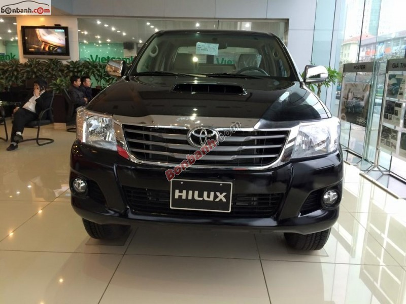 Bán xe Toyota Hilux G 2015, màu đen, phiên bản mới thiết kế hiện đại mạnh mẽ