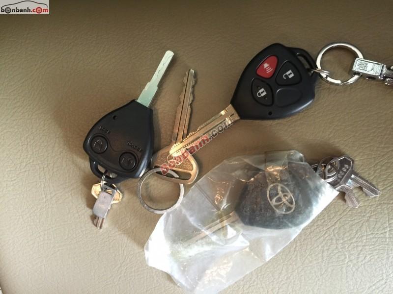 Cần bán lại xe Toyota Hilux đời 2012, màu đen, nhập khẩu chính chủ
