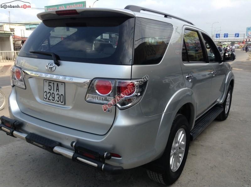 Chợ ô tô Hà Nội cần bán xe Toyota Fortuner G đời 2012, màu bạc, như mới, 850tr