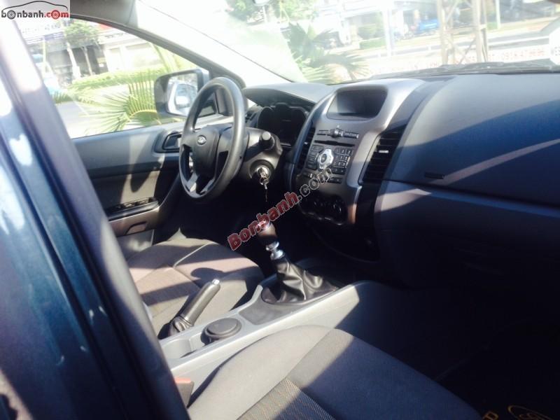 Bán ô tô Ford Ranger XLS 4x2 MT đời 2013, màu đen, xe gia đình, 515Tr