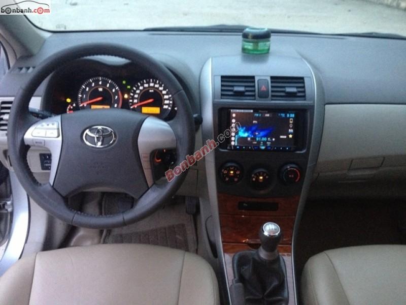 Bán ô tô Toyota Corolla altis 1.8 MT cũ màu bạc, chính chủ