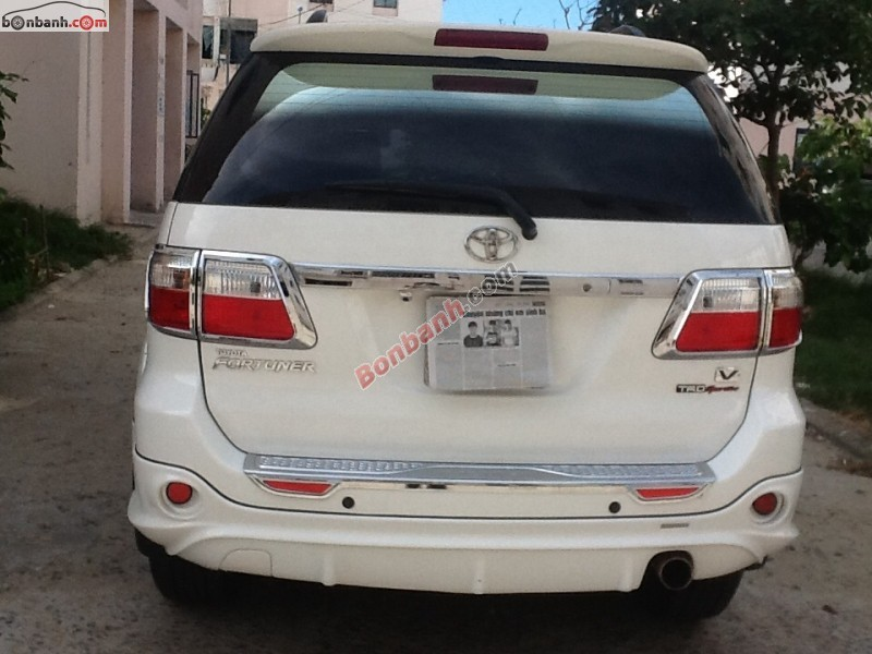 Ô tô Toyota Fortuner 2011, màu trắng, xe gia đình, 816tr bán