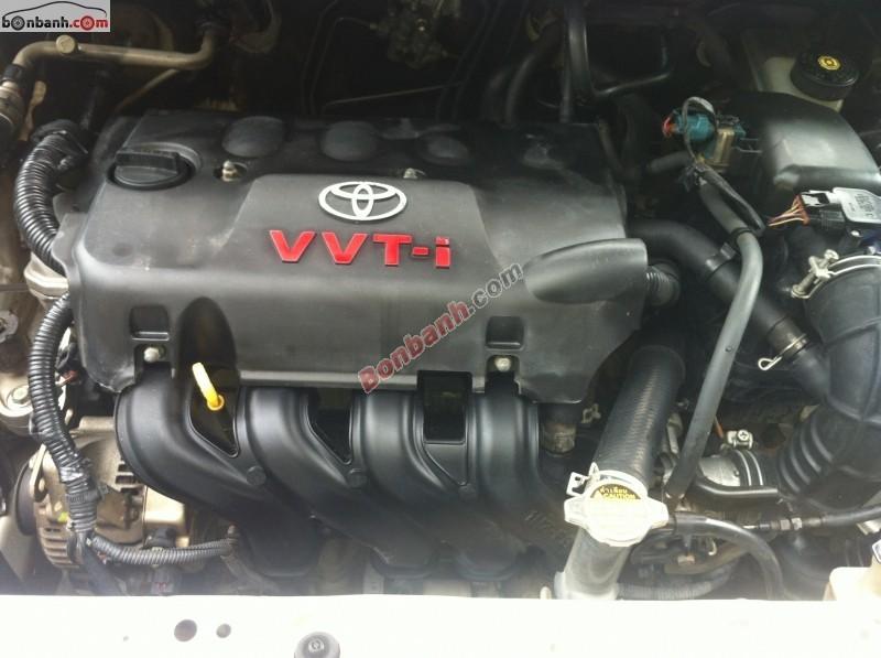 Cần bán gấp Toyota Vios đời 2007, màu bạc, chính chủ