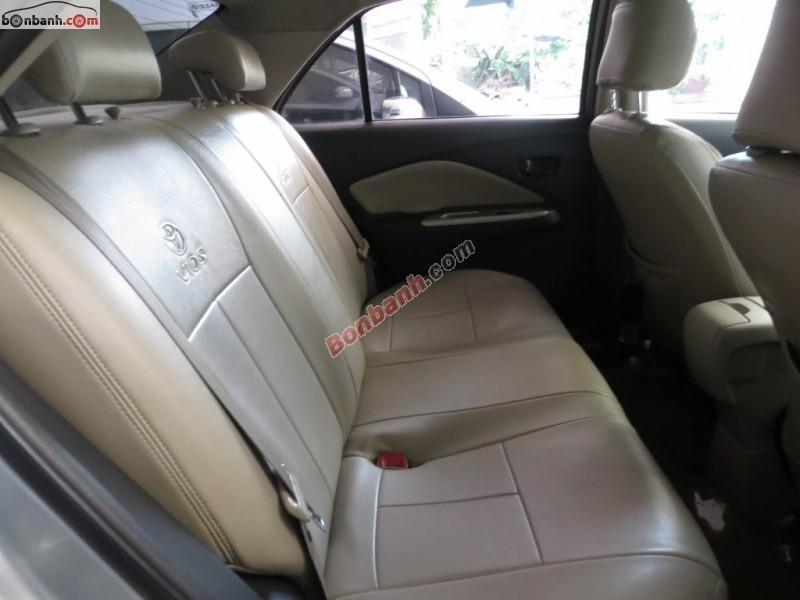 Bán xe Toyota Vios đời 2009, màu bạc, số sàn, giá chỉ 475 triệu