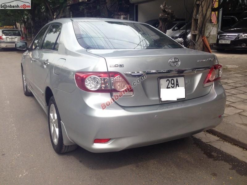 Bán xe Toyota Corolla altis cũ màu bạc, giá 755tr