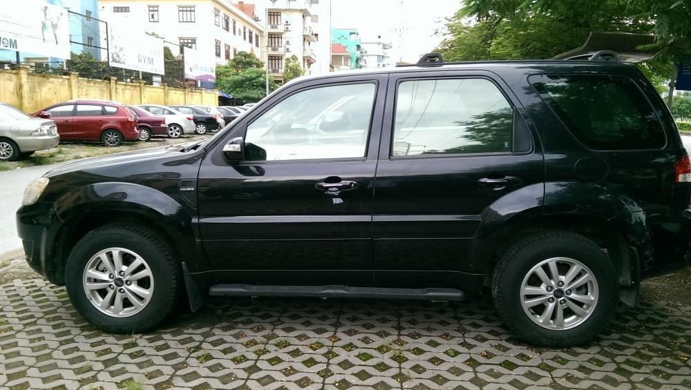 Xe Ford Escape  2010