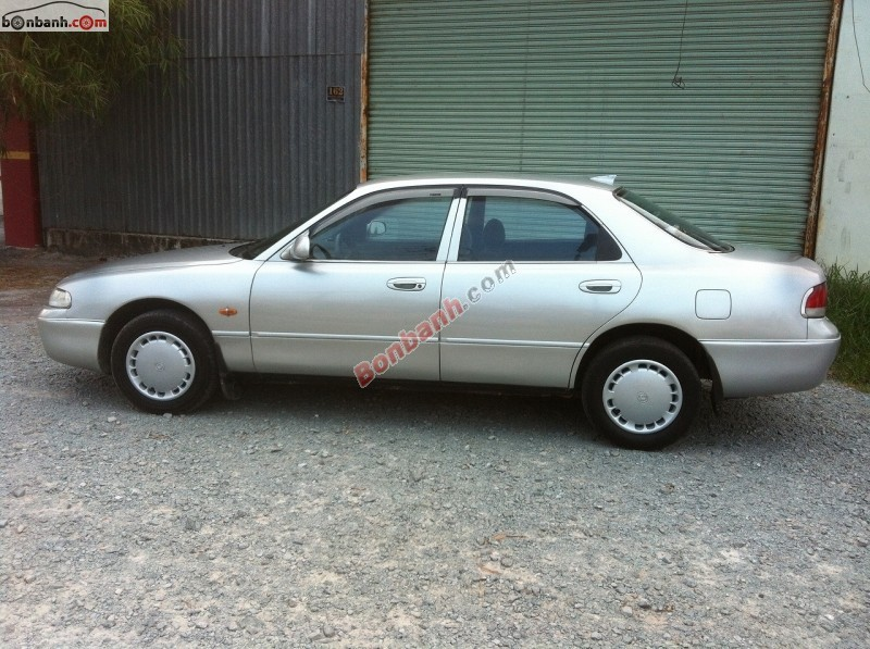 Cần bán xe Mazda 626 2.0. MT đời 1995, màu bạc, nhập khẩu chính hãng