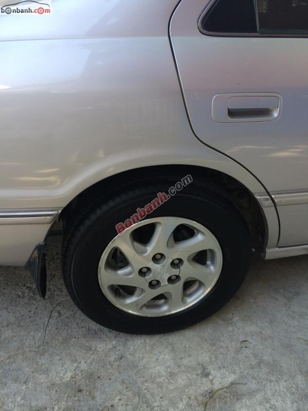 Xe Toyota Camry GLI 2002