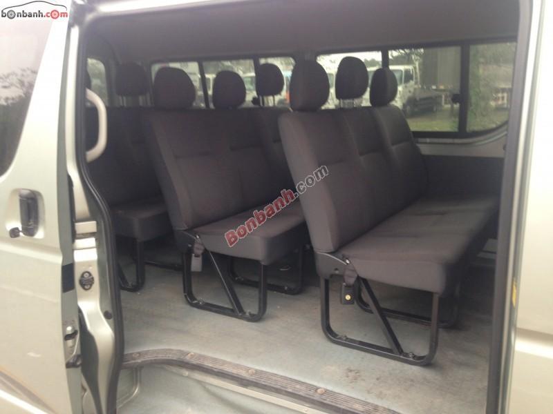 Xe Toyota Hiace  2012