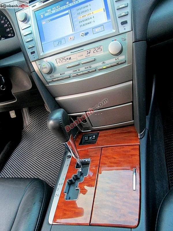 Bán xe Toyota Camry XLE đời 2009, màu bạc, nhập khẩu, 875tr