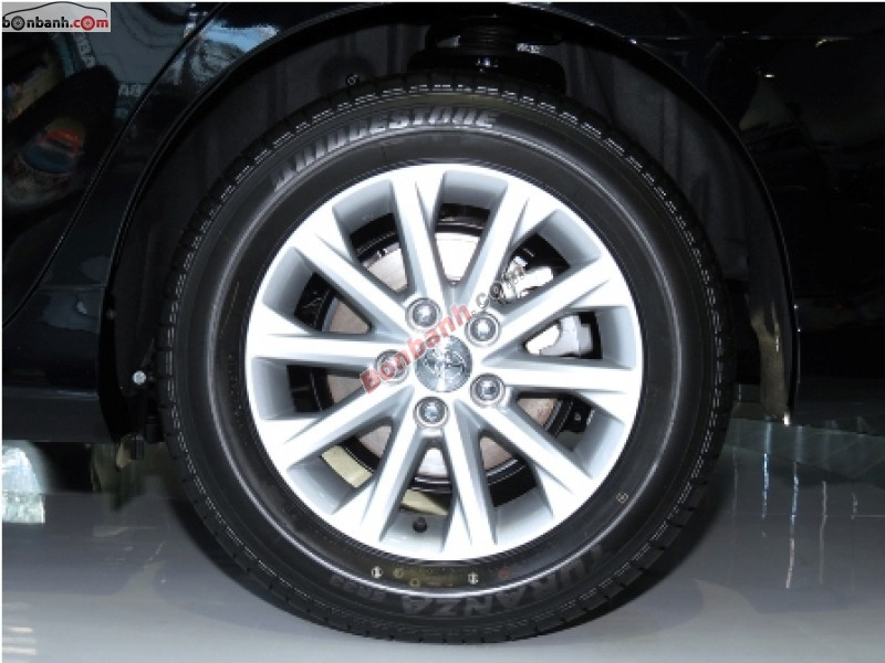 Xe Toyota Camry 2.0 E 2015