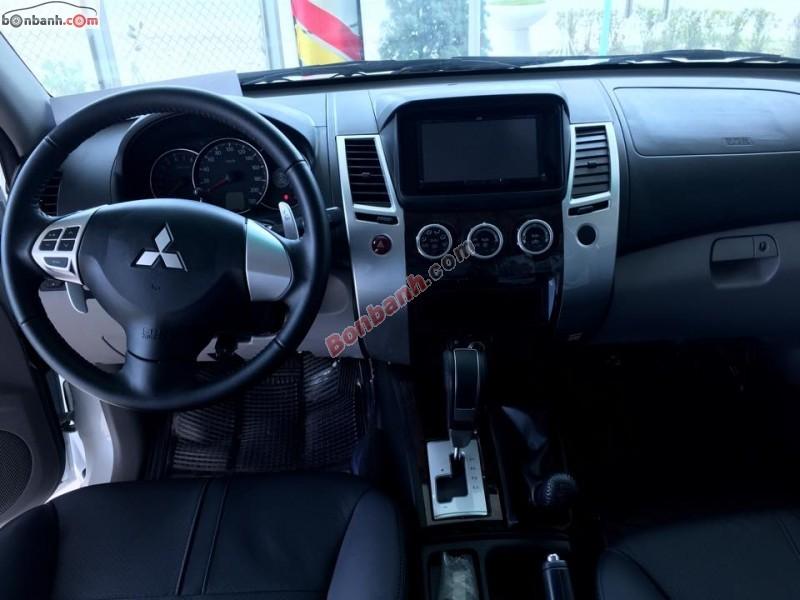 Xe Mitsubishi Pajero V6 3.0 2015