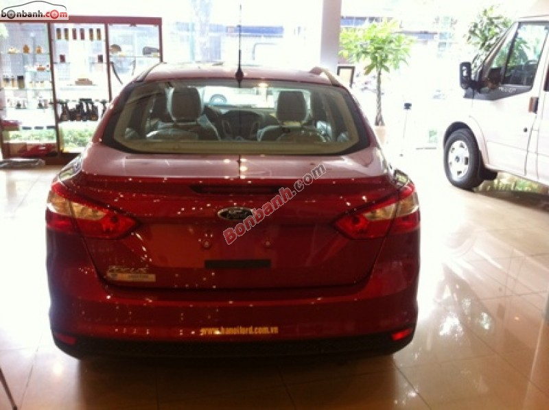 Xe Ford Focus 1.6L 2015
