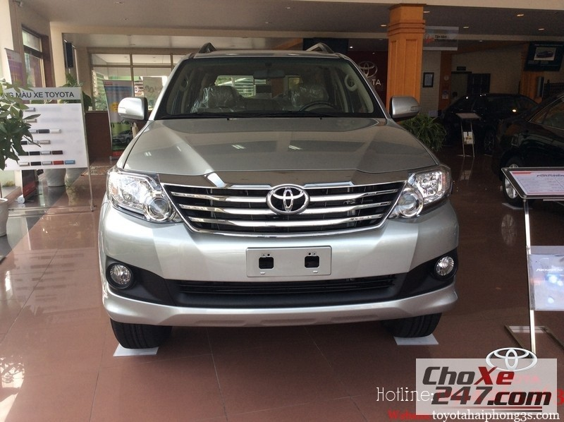 Xe Toyota Fortuner  2014