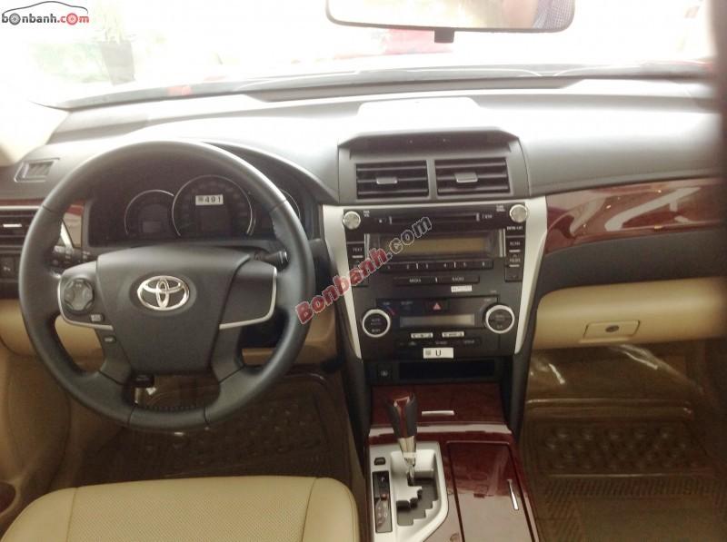 Xe Toyota Camry Bán    2.0 E  mới tại TP HCM 2014