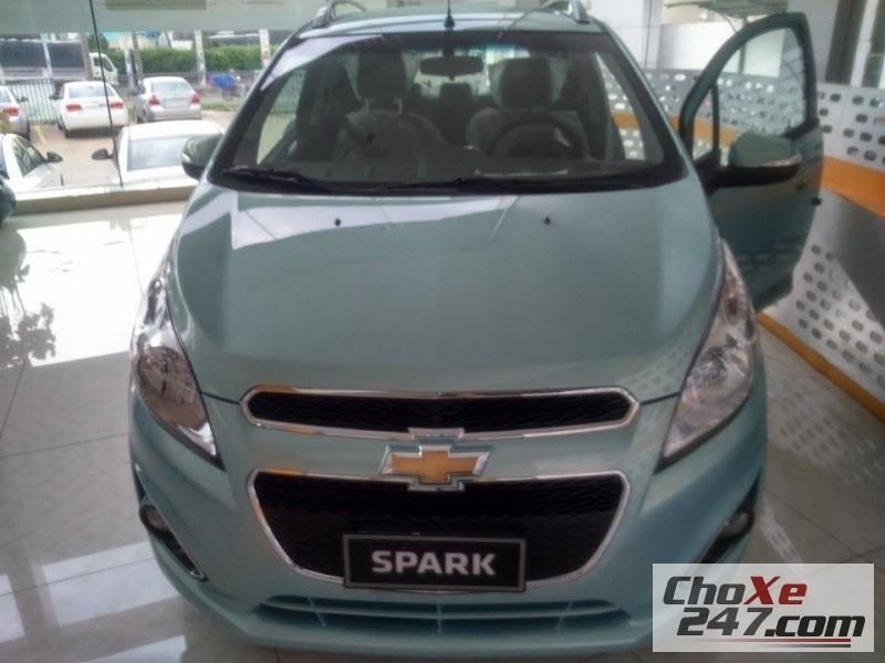 Xe Chevrolet Spark 2015 2014