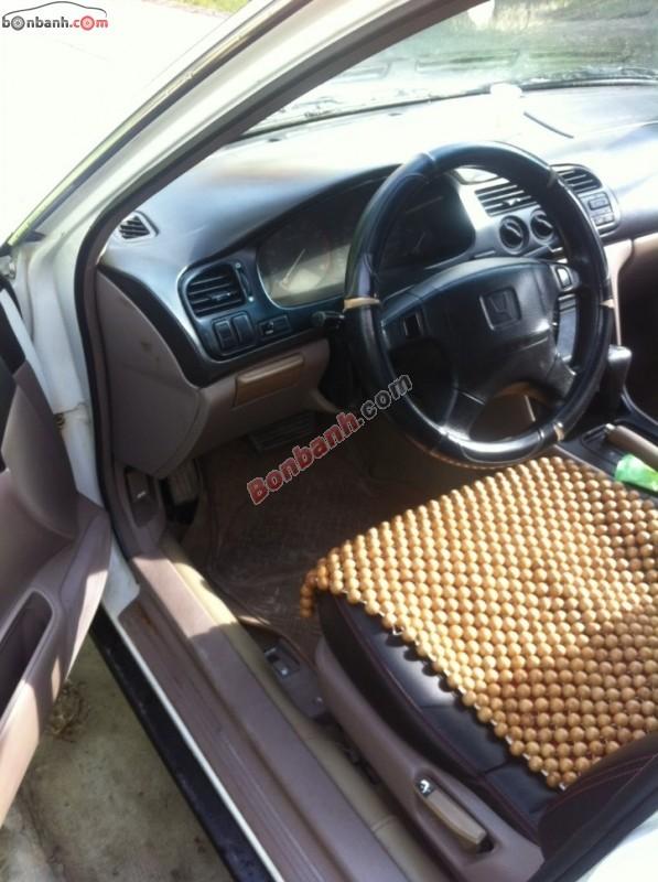 Bán Honda Accord đời 1995, màu trắng, xe nhập ít sử dụng