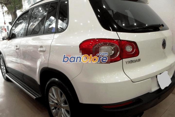 Cần bán gấp Volkswagen Tiguan 2.0L đời 2010, màu trắng, nhập khẩu chính hãng, số tự động, giá 850tr