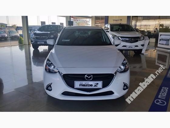 Cần bán xe Mazda 2 đời 2016, màu trắng, xe nhập