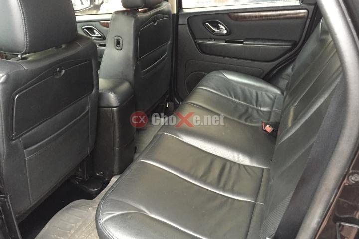 Cần bán xe Ford Escape XLT đời 2010, màu đen giá cạnh tranh