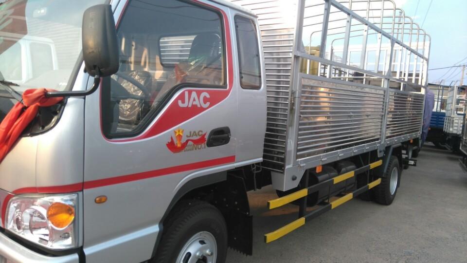 Khuyến mãi trước bạ + tặng 1000 lít dầu khi mua xe tải jac 9 tấn đời 2016 trong tháng 9