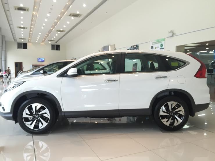 Bán CRV 2.4 màu trắng đời 2016, giao xe ngay