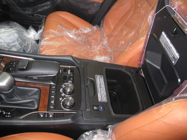 Bán xe Lexus LX 570 sport plus năm 2016, giá liên hệ