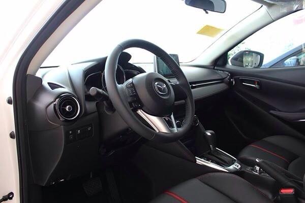 Xe Mazda 2 sedan đời 2016 giá tốt nhất tại Biên Hòa-Đồng Nai-hỗ trợ vay 85%-hotline 0933000600