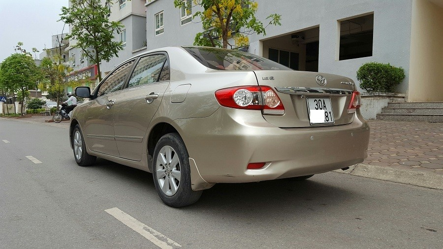 Cần bán Toyota Corolla altis G đời 2013, số tự động