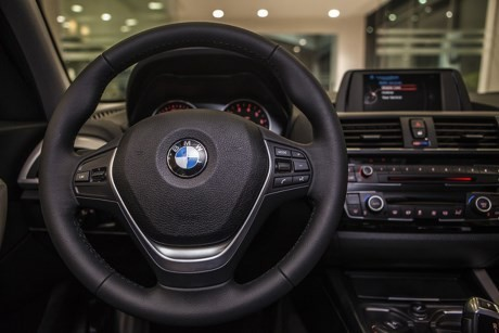 Cần bán BMW 1 Series 2016, màu trắng, nhập khẩu, ưu đãi có hạn