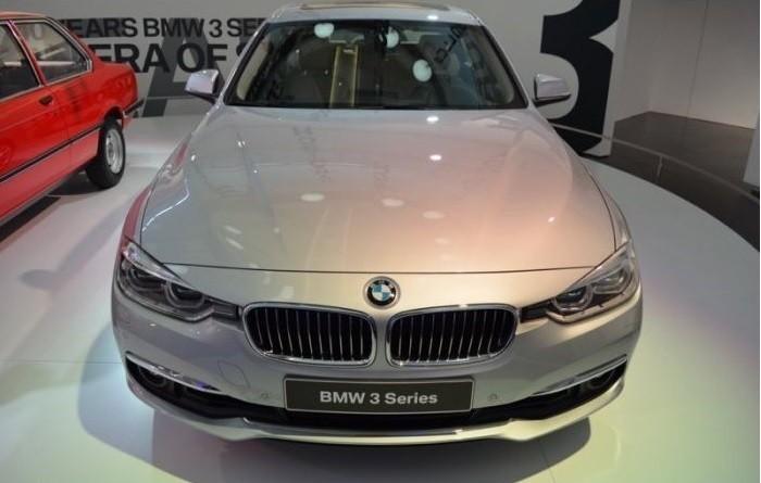 Bán xe BMW 3 Series 2016, màu bạc, xe nhập - ưu đãi khủng