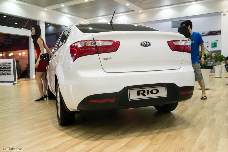 Bán Kia Rio sản xuất 2016, màu trắng, nhập khẩu nguyên chiếc