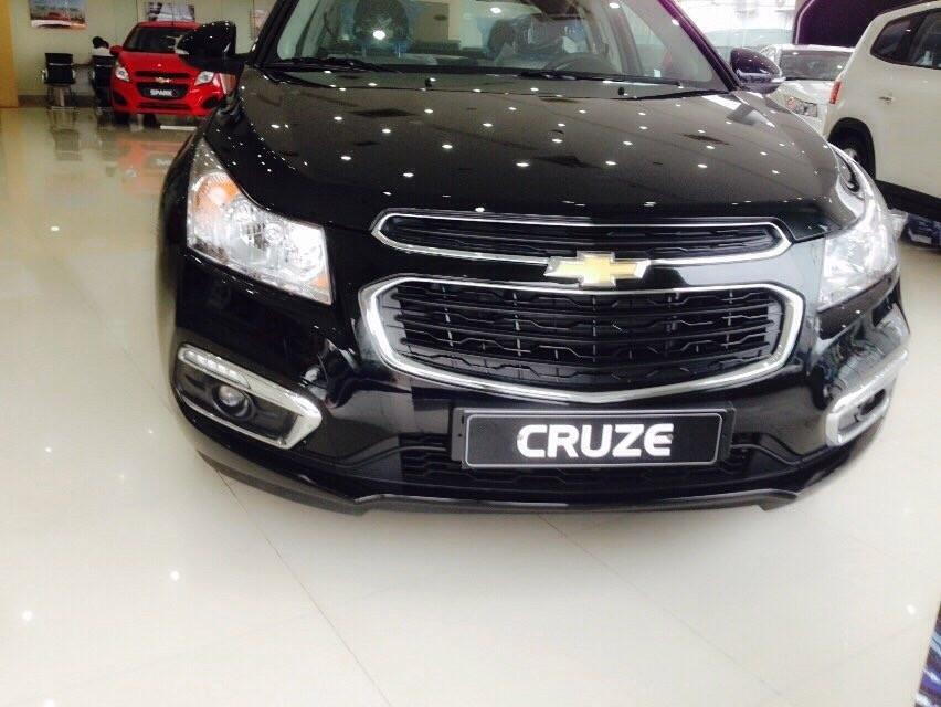 Cần bán xe Chevrolet Cruze 2016, màu đen