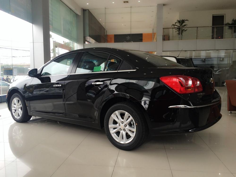 Chevrolet Cruze màu đen đầy sáng trọng. Giá cả ưu đãi nhất