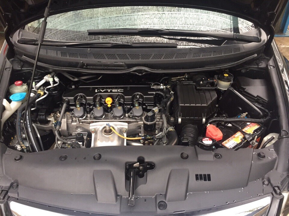 Xe Honda Civic 1.8AT 2010, màu đen