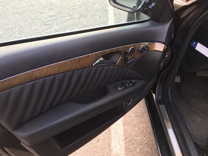 Bán MERCEDES-BENZ E200 chính chủ đi mới tinh 2009, xe đẹp hiếm có vì ít sử dụng, chỉ đi làm gần hàng ngày