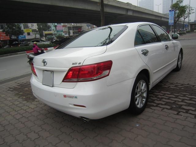 Cần bán xe Toyota Camry 2011, màu trắng, nhập khẩu, giá chỉ 769 triệu