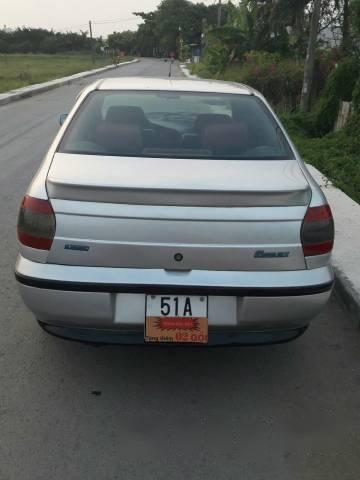 Bán xe cũ Fiat Siena HLX 1.6 đời 2003, màu bạc