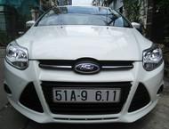 Ford Focus Sedan Titanium, màu trắng