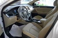 Cần bán xe Hyundai Sonata đời 2015, màu trắng, giá 940tr giá 940 triệu tại Hà Nội