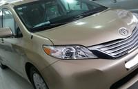 Cần bán xe Toyota Sienna XLE đời 2010, màu vàng, nhập khẩu giá 2 tỷ 155 tr tại Tp.HCM
