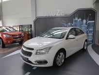 Bán xe Chevrolet Cruze LT 2016, nhiều màu, xe giao ngay, giá bán cạnh tranh